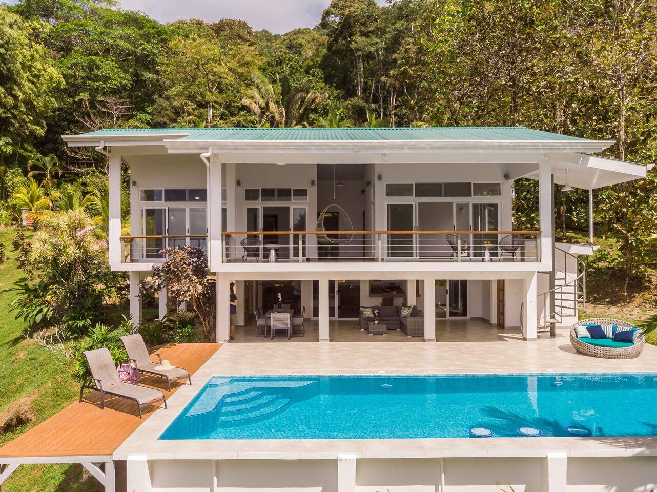 Modern 3 Bedroom Villa in Escaleras